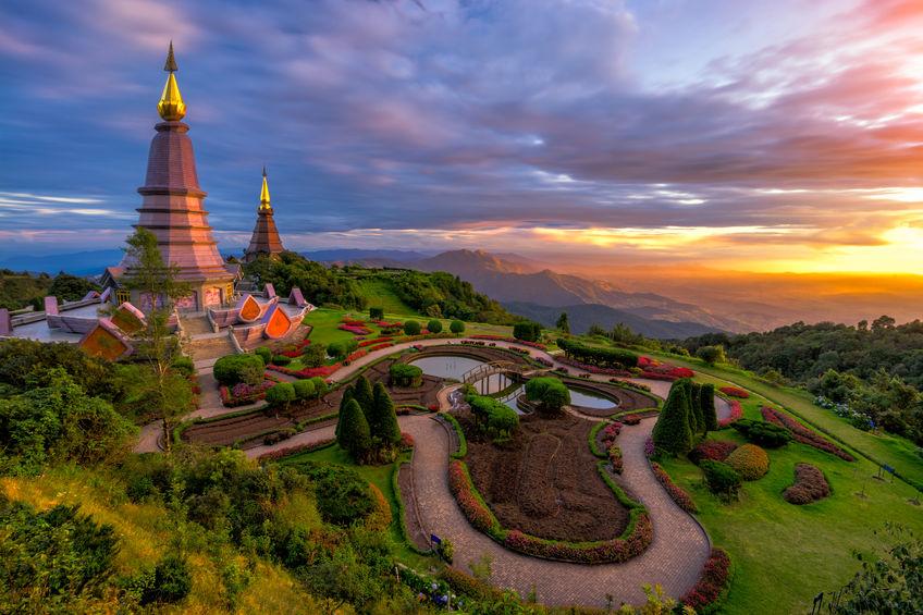 buddhism and CBT image of Thailand buddhist memorials